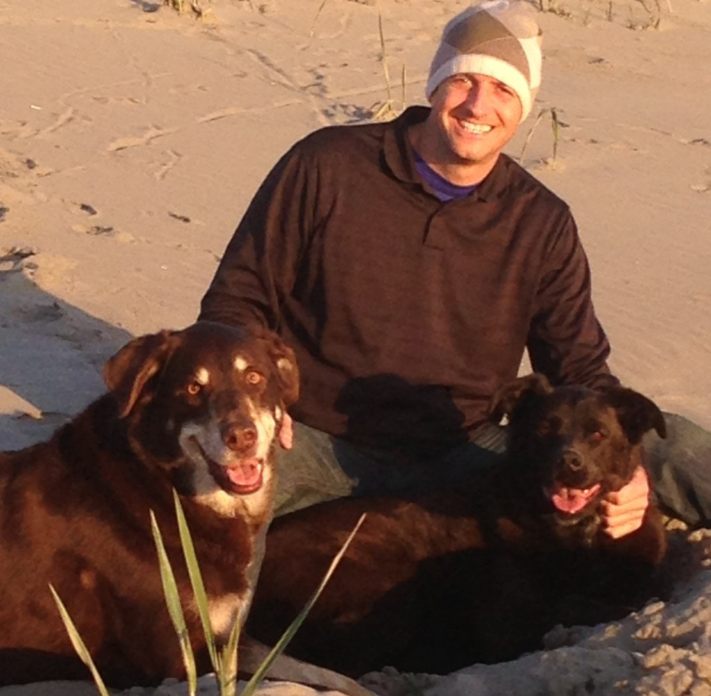 mike munter and dogs at oregon coast